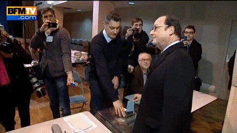 gifa - hollande vote de travers