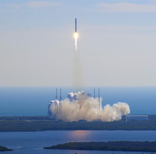 spaceX -NASA Alan Ault - public domain